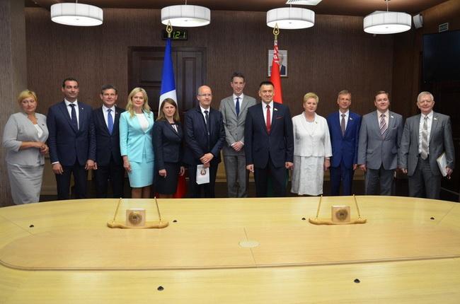 На встрече с делегацией парламентской группы дружбы «Франция — Беларусь»